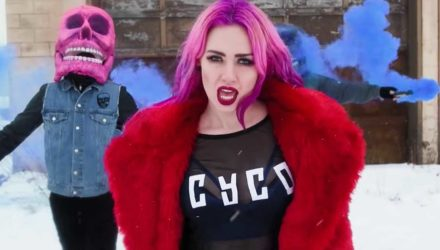 Sumo Cyco y el vídeo de 'Undefeated'