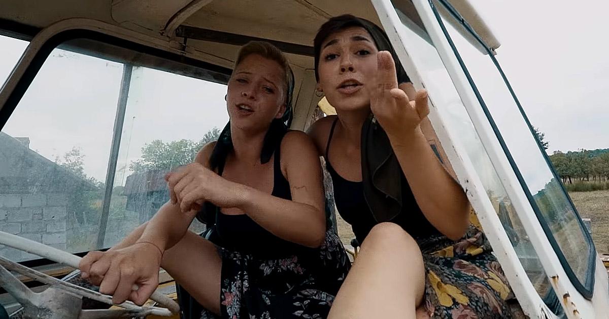 Dirty Shirt estrenan el vídeo de 'Pălinca' con Boots