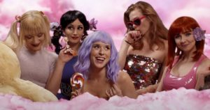 Los hardcoretas Sharptooth diseccionan a varias estrellas del pop en su nuevo vídeo, 'Say Nothing (In the Absence of Content)'