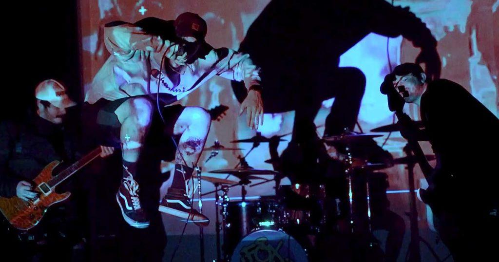 Fox Lake le dan otra vuelta de tuerca al rap-metal en el vídeo de 'Tunnel Vision'