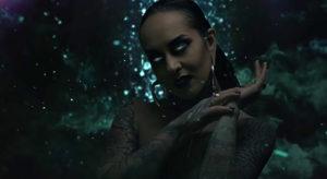 Twelve Foot Ninja estrenan el vídeo de 'Over and Out' con Tatiana Shmayluk